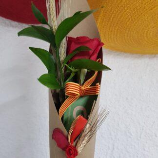Rosa Sant Jordi 2021 amb con paper kraft decorat